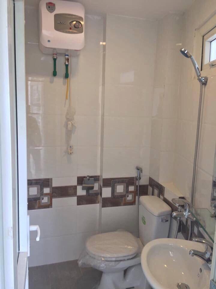 Phòng vệ sinh tại Chung cư mini yên hòa